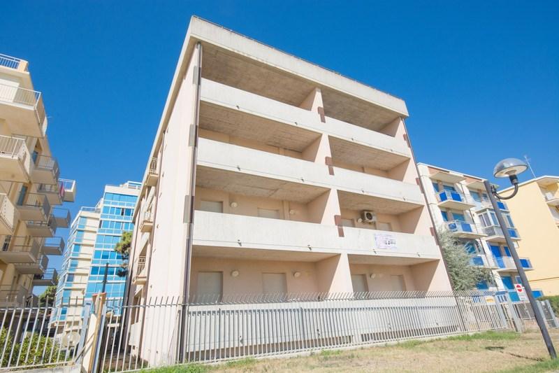 Lido degli estensi, appartamenti vista mare