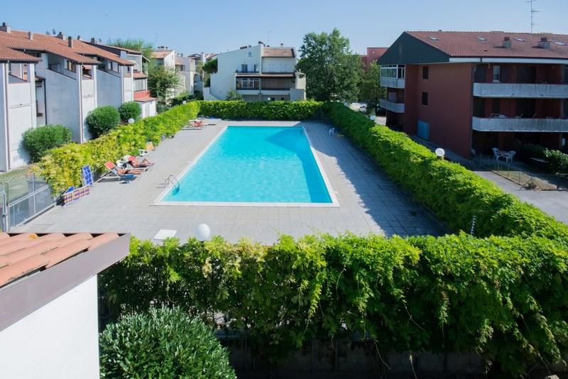 Lido di Spina residence con piscina
