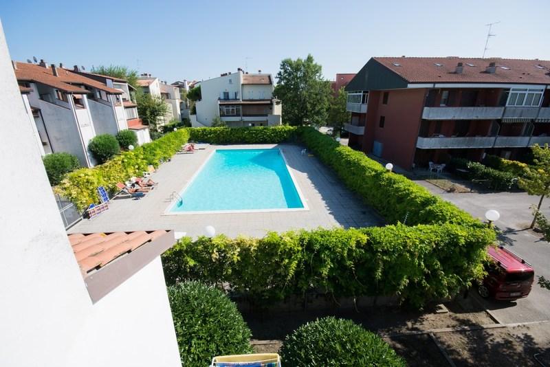 Lido di Spina, residence con piscina